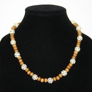 "NWOT Vintage style wooden necklace 30"""